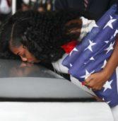 Etats-Unis: Trump fait pleurer la veuve d'un soldat américain